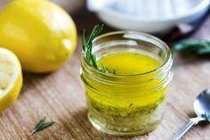Met een mengsel van citroen en olijfolie kun je de lever reinigen, maar het is ook gezond voor je huid, haar en nagels.