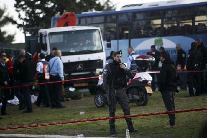 Mueren cuatro militares en ataque con camión en Israel | El Puntero