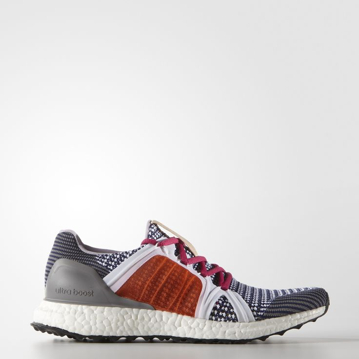 Designed to cruise through a 10K, these adidas by Stella McCartney Ultra Boost Shoes come in signature Stella color palettes. With boost™ for a charged-up feel that delivers maximum energy return with every stride.