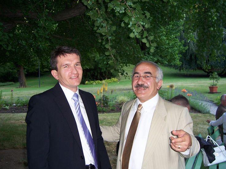 kurdish people kurdistan  Yekta Uzunoglu s policejním prezidentem Oldřichem Martinů na německém velvyslanectví v srpnu 2007