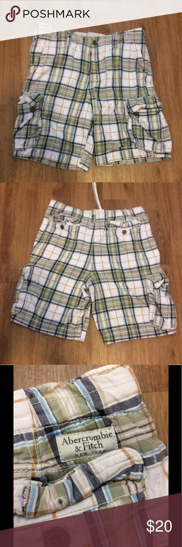 ABERCROMBIE AND FITCH SHORTS Good used condition Abercrombie and fitch plaid shorts. Abercrombie & Fitch Shorts Cargo