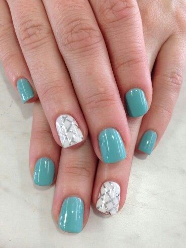 Green-with-white | Awesome Spring Nails Design for Short Nails | Easy Summer Nail Art Ideas Switch out the checked pattern for a sale print and you would have some stunning mermaid mails.