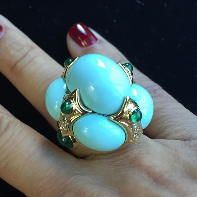 DAVID WEBB Turquoise, Diamond and Emerald Ring........#ForSale #DavidWebb #turquoise #estatejewelry #vintage #vintagejewelry #antiquejewelry #signedjewelry #emerald #ring #collect #invest #yagasignedjewels
