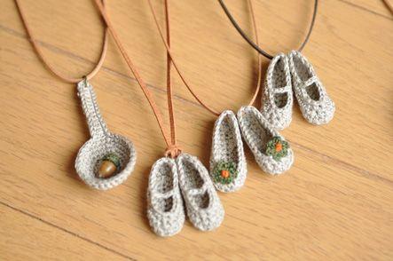 Pendentifs de collier crochetés