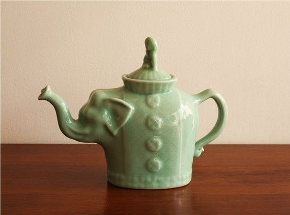 17 best images about teapots on pinterest tea kettles pottery and ceramic art - Elephant cast iron teapot ...