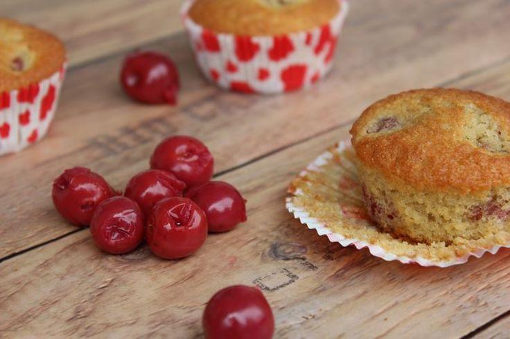 Ein einfaches Rezept für leckere, fluffig-saftige Kirschmuffins.Muffins mit Frucht, Cupcakes, Rührteig, Muffins, Kirschen, backen mit Kirschen, Gebäck