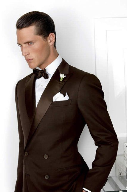 Traje de #novio en marrón de Ralph Lauren / Brown tux for #grooms by Ralph Lauren Purple Label