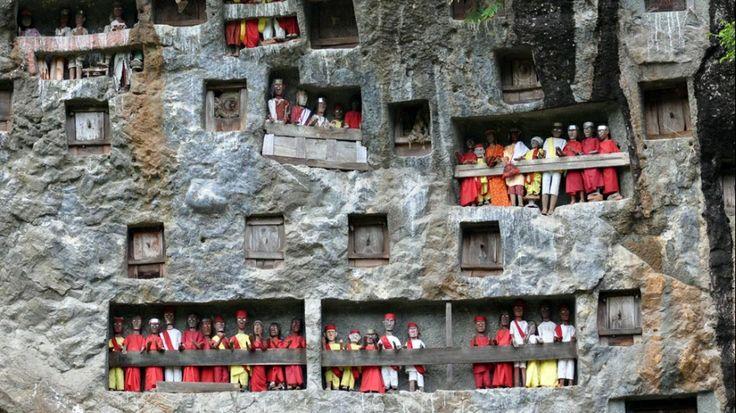 Makam Batu Tana Toraja