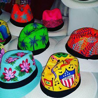 Se vienen los carnavales!! Ya tienes tu #natygaviria® ? #3008394994  Pidelo ya! #unasolagozadera #carnavaldebarranquilla