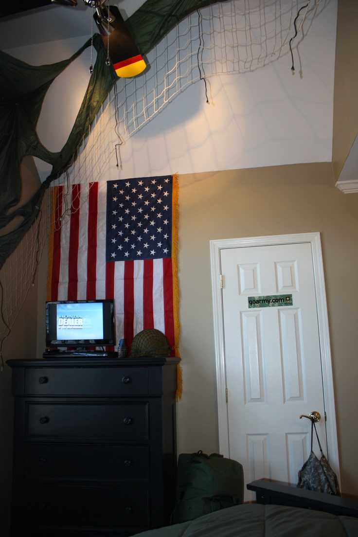 Matt s Army Room. The 25  best Boys army room ideas on Pinterest   Army room decor