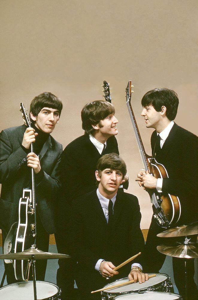 """ The Beatles, February 1964, Plaza Hotel, New York. Photo by John G. Zimmerman (x) """