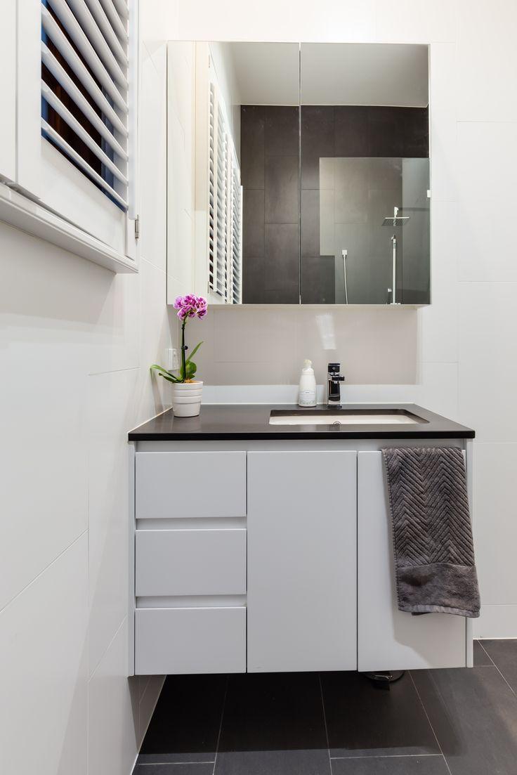 Cute Basin done right! #modernbasin #InteriorDesign #Synergy_BD