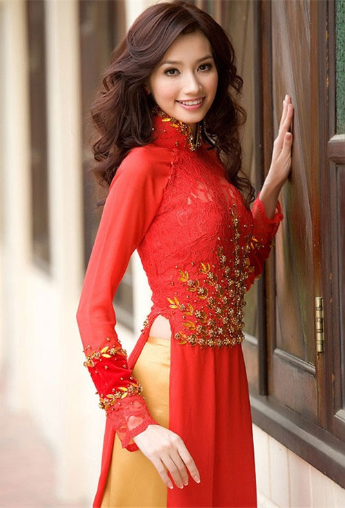 Vietnam ..lady in Vietnamese costume called ao dai