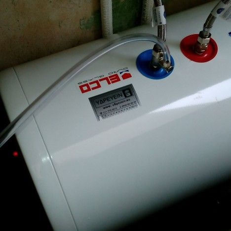 Κερατσίνι τοποθέτηση θερμοσίφωνα ELCO DURO GLASS 80lt www.ΥΔΡΕΥΕΙΝ.eu/θερμοσιφωνες.htm