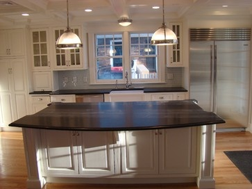 White Painted Kitchen   Traditional   Kitchen   Manchester NH   Capital  Kitchen And Bath