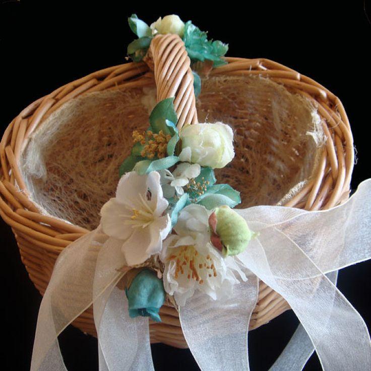Ideas para decorar cestas de arras y anillos preparar tu for Ideas para decorar una boda