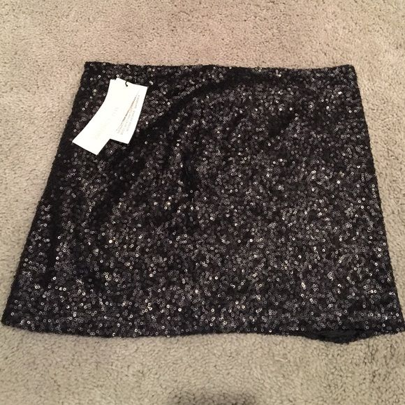 Black sequin mini skirt Brand new with tags! Black sequin mini skirt from a California boutique Skirts Mini