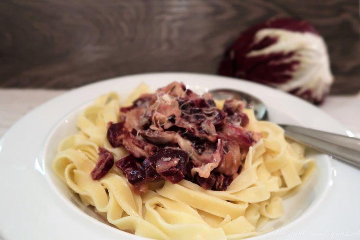 Chicorino Rosso / Radicchio gesunder bitterer Salat. Rezept für eine Pasta-Sauce mit Chicorino Rosso.