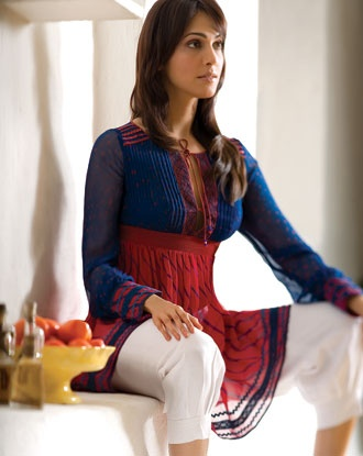 Casual Summer: An Anita Dongre design. Love the fit of this kurta/top!