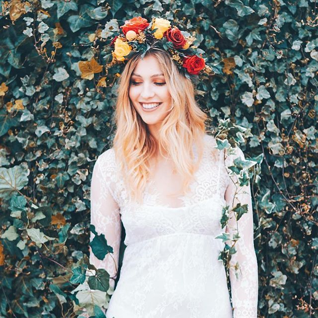 ❤️ this image by one of my favourites @omgitslozzae of the super gorgeous @rachel_bowler_ I love a smiling model in a flower crown MUA the very talented @sarahgraymua #folkydokey #flowercrown #driedandpreserved #driedflowercrown #floralcrown #flowers #boho #bohobride #bohowedding #bespoke