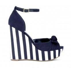 Wendi// nice navy blue:}