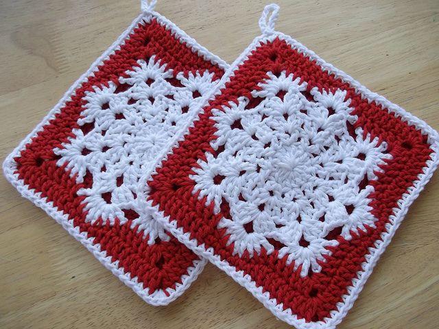Snowflake potholder pattern.