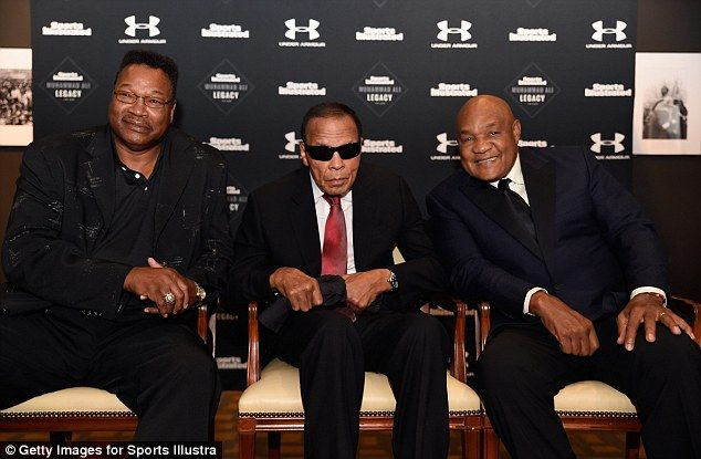 Larry Holmes (left) andGeorge Foreman (right) will bepallbearers atMuhammad Ali's memorial service
