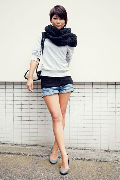 17 Best images about hotpants on Pinterest | High waisted shorts Scoop neck and Cutoffs