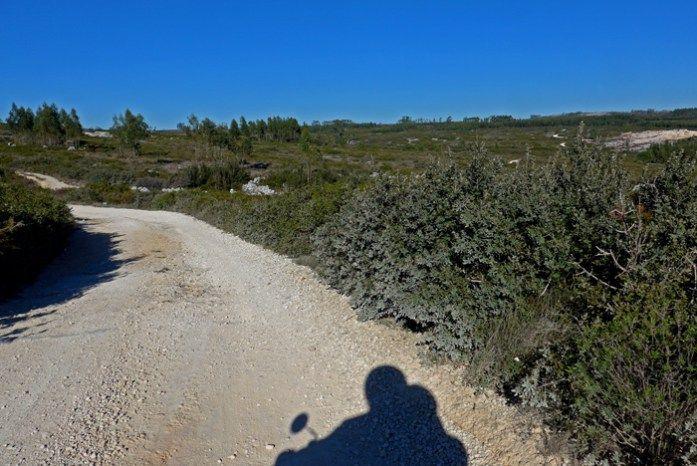 Roteiro nas Serras de Aire de Candeeiros. Entre a pedreira de Vale de Meios e Cabeço das Pombas.