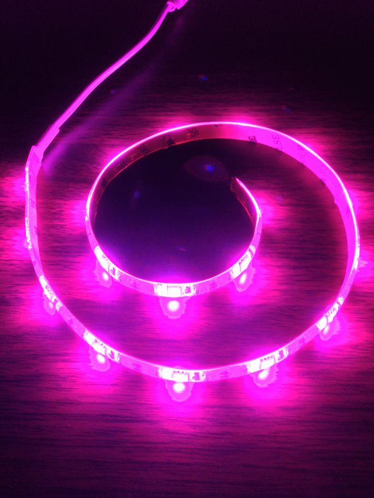 Satechiの色が変わるUSB帯状LED照明キット『ST ULEDW』レビュー カラフルなネオンでパソコン周りを鮮やかにッ!