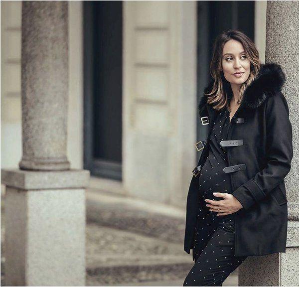 """Sono Julia Elle,cantante, attrice, ideatrice della web series """"Disperatamente Mamma"""". Partiamo però dall'inizio: sono cresciuta tra Dublino e Torino, ma a"""