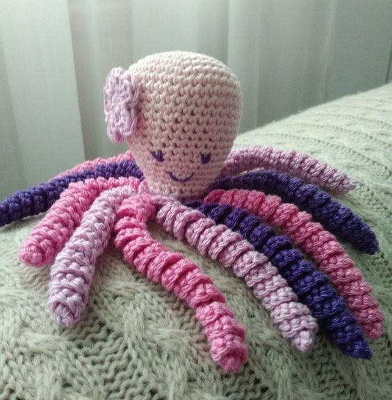Petite Pieuvre à tricoter ou à crocheter pour les prématurés voir le site PPSC sur internet tout est expliqué
