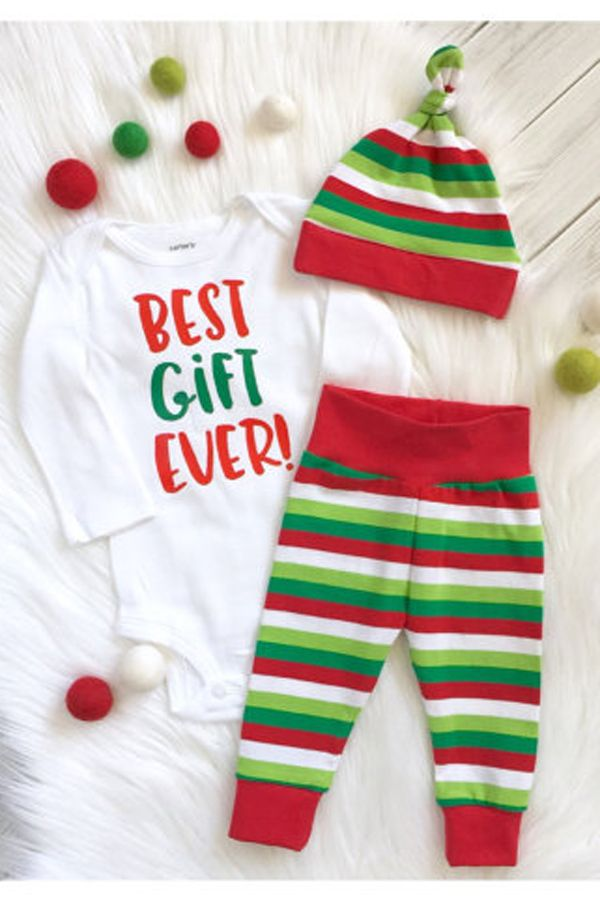 b77f2cae2bb0 Baby's First Christmas Outfit - Best Gift Ever Baby Gift Set - Gender  Neutral Baby Clothes - Christmas Baby - December Baby - December Due Date -  Baby Boy ...
