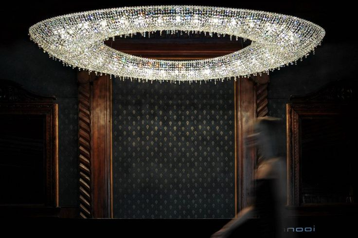 Rose crystal chandelier #crystalchandelier #chandelier #lighting #lightingdesign #interiordesign #luxury #furniture #interior #Manooi
