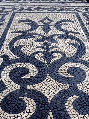 Jeffrey Bale's World of Gardens: Pebble Mosaic for the Garden  #RidiculouslyChic #PebbleHill