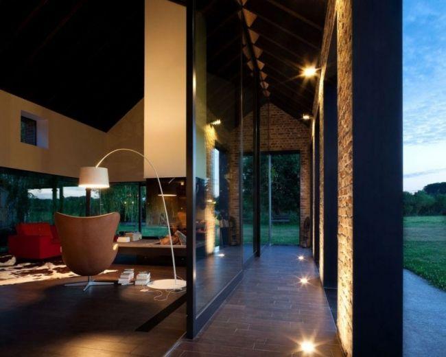 Landhaus glas box system ziegelsäulen bodenleuchten