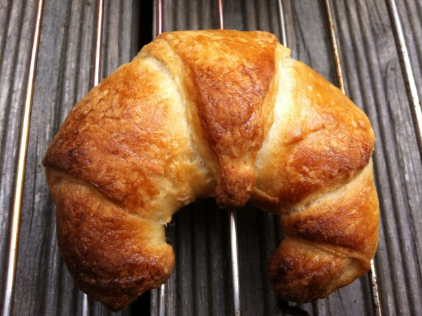 Homemade croissants: buttery, flaky breakfast pastry | thelittleloaf