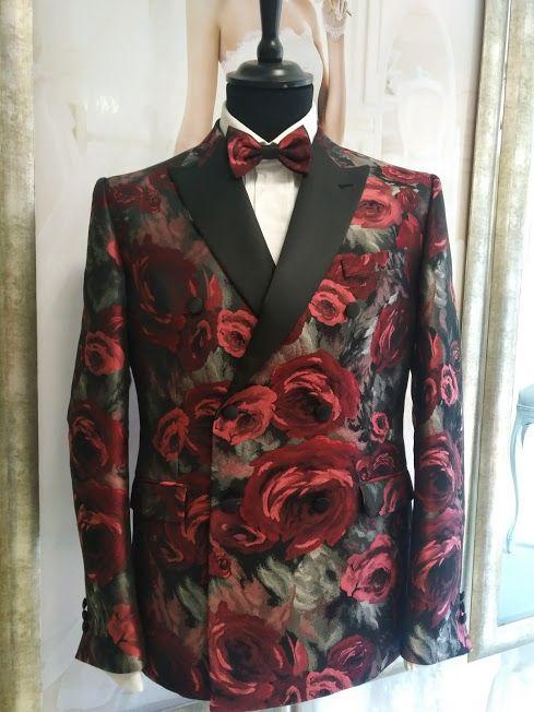 Luxusný pánsky smoking svadobný salón valery, luxusný smoking, smoking na ples v opere, luxusný pánsky oblek, požičovŇa smokingov, luxusný oblek