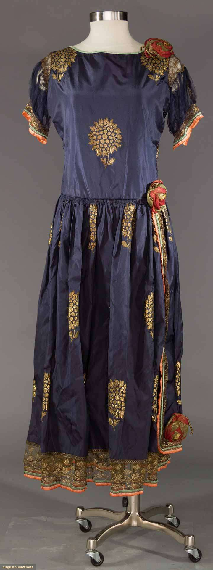 I love this dress, I really like the idea of stenciling onto a garment.  LADIES' EVENING GARMENT, 1915-1925