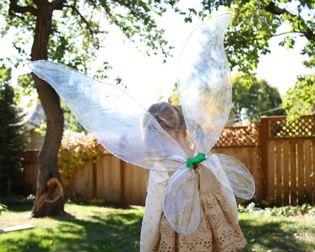 At Second Street: How to make Iridescent Fairy Wings Cheap, easy and just like Tinkerbell's wings.