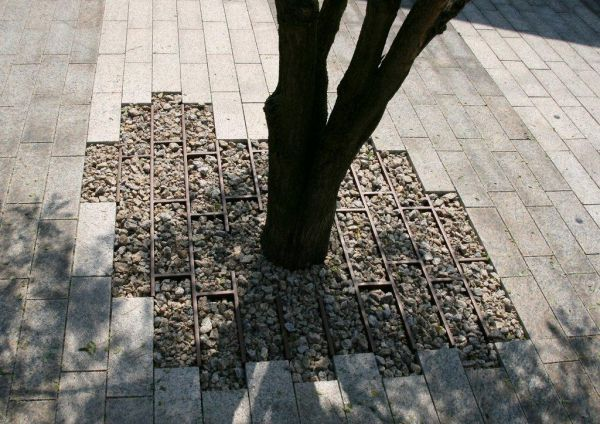 Permeable paving by Dirry de Bruin at the Vescom headquarters in Deurne, NL. Click image to tweet, and visit the slowottawa.ca boards >> https://www.pinterest.com/slowottawa/
