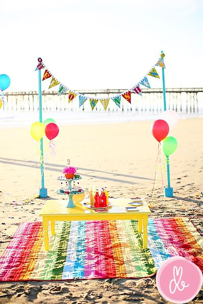 Cute! Love the banner holder.Birthday Parties, Rainbows Colors, Beach Parties, Beach Party, At The Beach, Parties Ideas, Parties Tables, Beach Birthday, Birthday Ideas