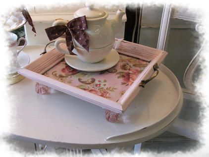 That's So Shabby Vintage Frame Serving Tray