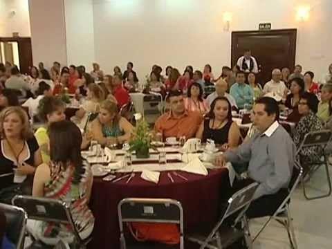 Reconocen a maestros de Hermosillo por 20, 30 y 40 años de servicio