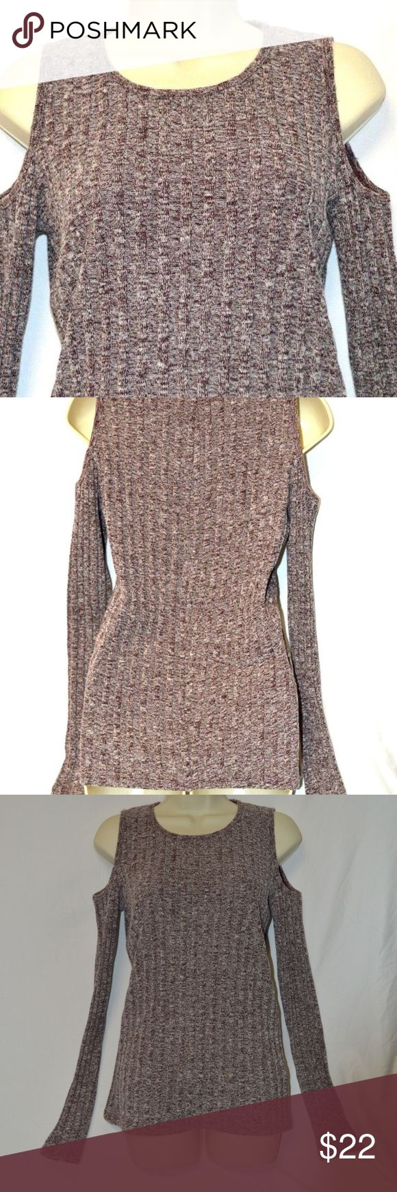 """Hollister California Cold Shoulder Cable Sweater Women's Hollister California Cold Shoulder Cable Knit Sweater  Size: L  Approximate Measurements:  Underarm to Underarm: 21"""" Back of Collar to Hem: 28"""" Hollister Sweaters Crew & Scoop Necks"""
