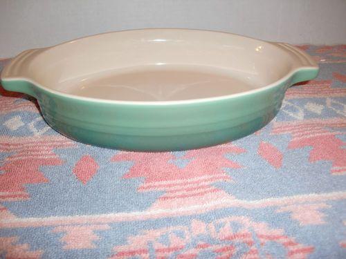 Le Creuset 1 1 8 Qt Stoneware 9 Quot Jade Oval Dish Pan Baking