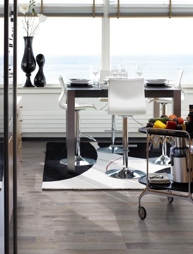 #Laminatgolv Pergo Domestic Extra Classic Grå Ek 3-stav, 189 kr/m2