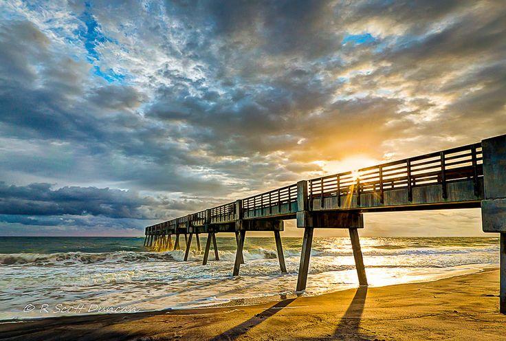 Pier vero beach florida for Vero beach fishing pier