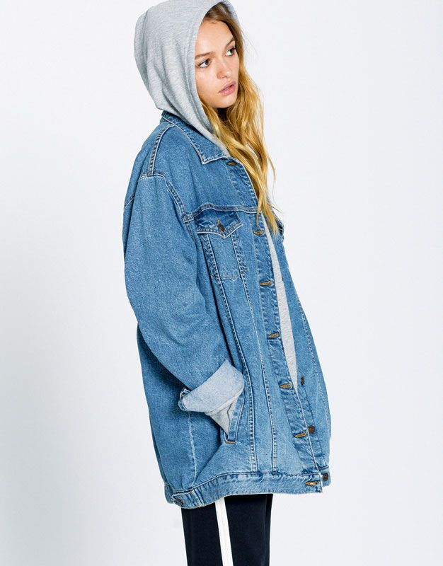 Long fit denim jacket - Denim Collection - Trends - Woman - PULL&BEAR Saudi Arabia