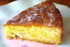 La Torta di mele dietetica si prepara mescolando zucchero con farina, uova, sale ed unendo il lievito sciolto nel latte e le mele tagliate a fettine ...